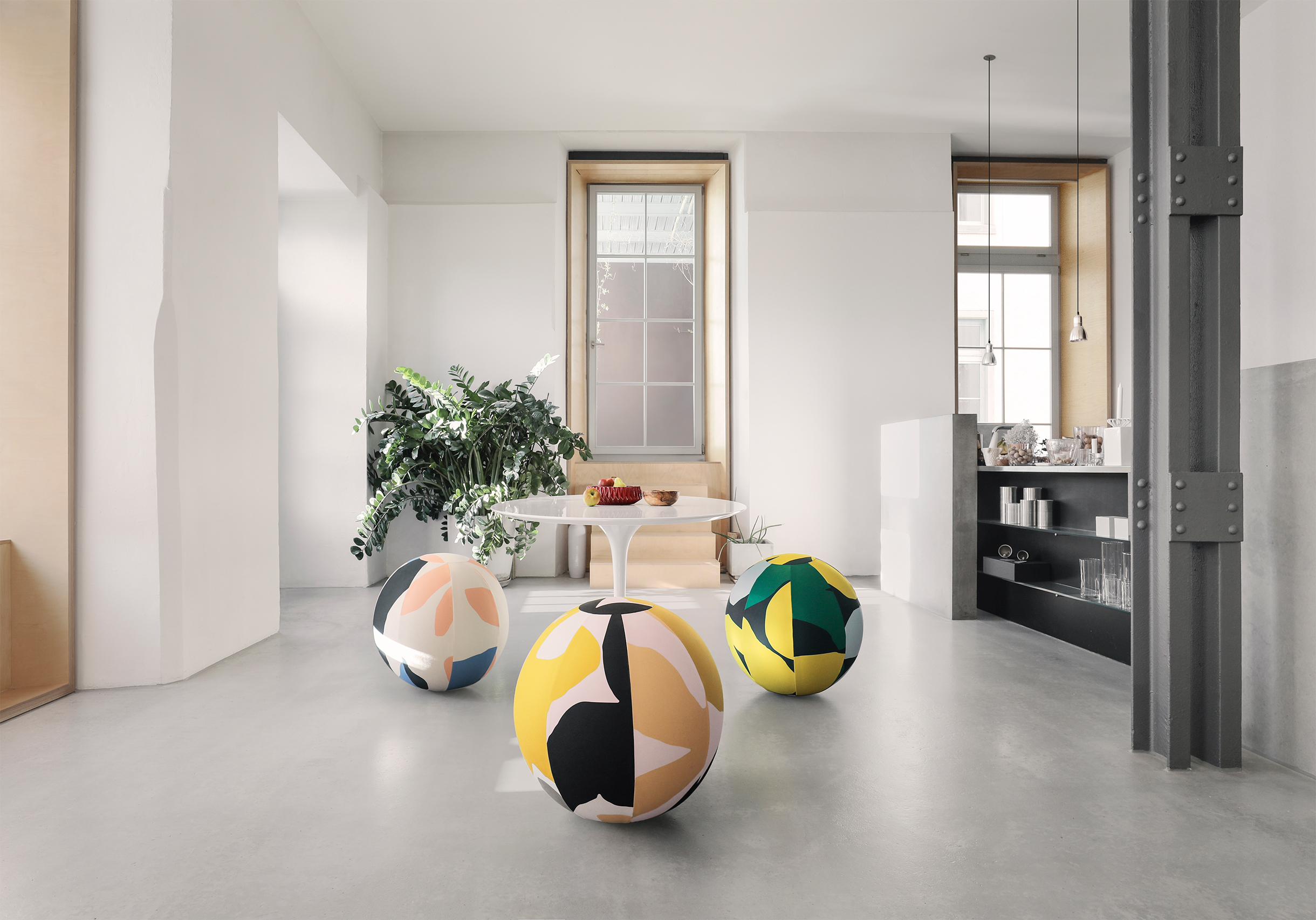 baola_swiss_ball_living_room